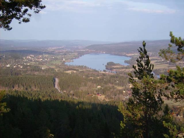 Vy över Fränsta och Torpsjön från Getberget